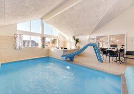 Flot luksushus med swimmingpool, spa og stort aktivitetsrum (billede 3)