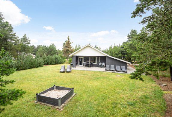 Ferienhaus in Blåvand mit Sauna und großer Rasenfläche