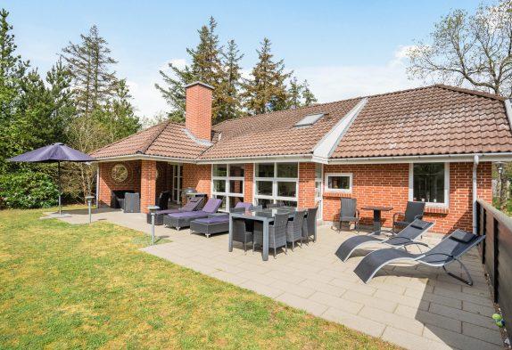 Solides 4-Sterne Ferienhaus in Ortsrandlage, Sauna und Whirlpool