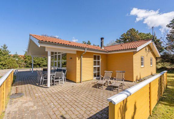 Sonniges Ferienhaus für 8 Personen mit Wirlpool und Sauna
