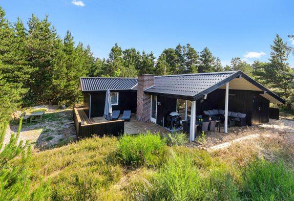 Gemütlich renoviertes Ferienhaus mit Whirlpool inBlåvand
