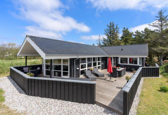 Top modernes Ferienhaus in Blåvand mit Whirlpool und Sauna