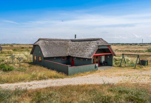 Idyllisches Reetdachhaus mit Sauna und Whirlpool