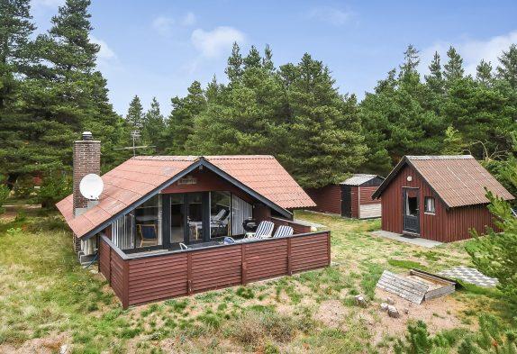 Einfaches und charmantes Ferienhaus in Ho mit Holzofen