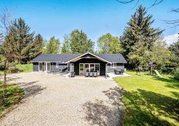 Wunderschönes Ferienhaus für 10 Personen, Whirlpool, Sauna, Spielplatz und bis zu 2 Hunde in Ho. Kat. nr.:  61177, Juulsvej 4;