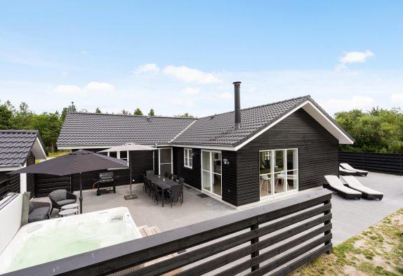 5-Sterne-Haus mit Aktivitätsraum, Sauna und Außenwhirlpool