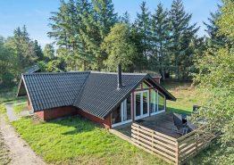 Charmantes Holzferienhaus in naturschöner Lage. Kat. nr.:  61913, Toldervej 13;