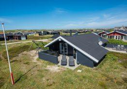 Renoviertes Ferienhaus mit 2 herrlichen Terrassen. Kat. nr.:  A1005, Arvidvej 268;