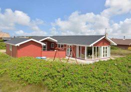 Schönes und geräumiges Ferienhaus auf Naturgrundstück (Bild 1)