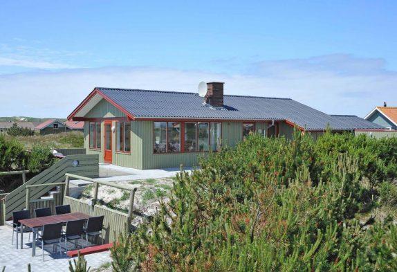 Modernes Haus mit herrlicher Aussicht von den Terrassen