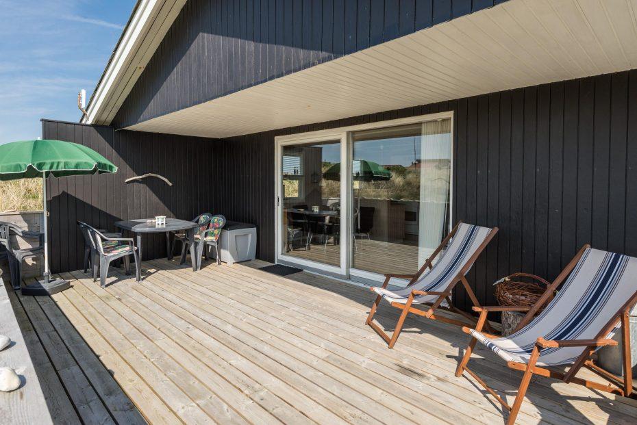 haus mit internet sch ne terrasse f r urlaub mit hund esmark. Black Bedroom Furniture Sets. Home Design Ideas