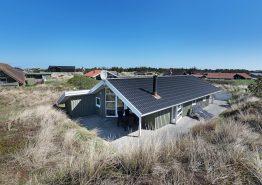 Ét af de skønne feriehuse i Danmark tæt på strand. Kat. nr.:  B2202, Bjerregårdsvej 117 A;