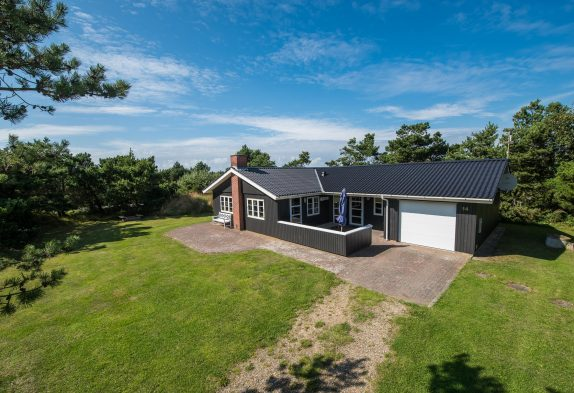 Gepflegtes Ferienhaus in Westjütland mit Garage