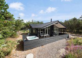 Qualitätshaus m. Sauna, Außen Whirlpool, umzäunter Terrasse + Hund (Bild 1)