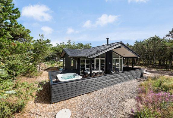 Qualitätshaus m. Sauna, Außen Whirlpool, umzäunter Terrasse + Hund