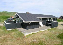 Superlækkert energivenligt feriehus 50 m fra stranden. Kat. nr.:  B2284, Julianevej 182;