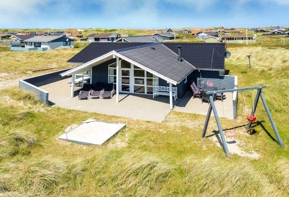 Luksusferiehus til den store familie tæt på stranden