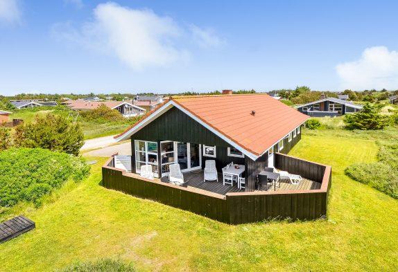 Sommerhus med lukket terrasse ideelt til ferie med hund