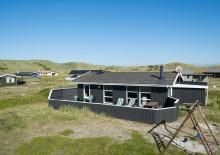 Hyggeligt feriehus med carport nær stranden