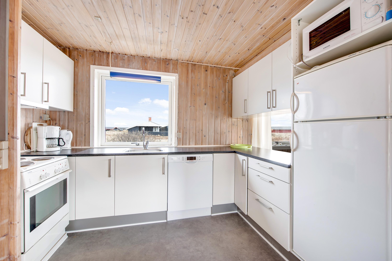 Hyggeligt feriehus med skøn beliggenhed tæt på stranden   esmark ...