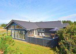 Sommerhus med udestue, fryser og en spa. Kat. nr.:  B2528, Bjerregårdsvej 21;