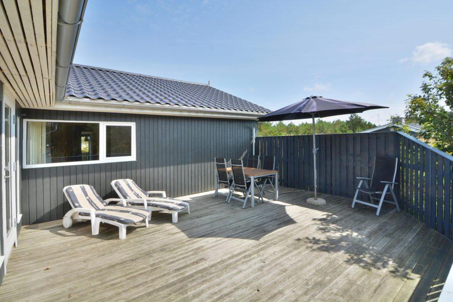 ferienhaus mit wintergarten gefrierschrank whirlpool. Black Bedroom Furniture Sets. Home Design Ideas