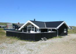 Schönes Ferienhaus mit Sauna dicht am Meer und Strand