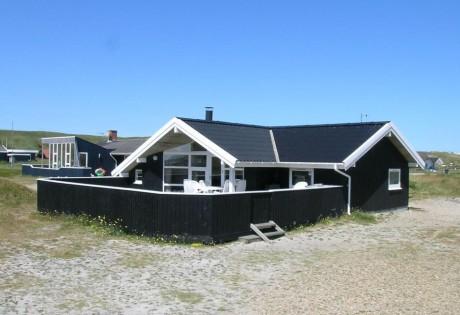 Dejligt sommerhus med sauna tæt på hav og strand