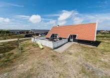 Ferienhaus mit Whirlpool, Sauna und geschl. Terrasse. Kat. nr.:  B2630, Humlegårdsvej 38