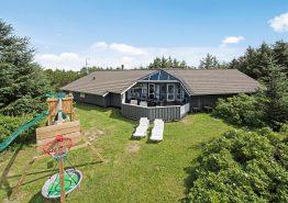 Dejligt poolhus til 10 pers med sauna og spa (billede 1)