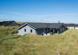 4 personers velholdt sommerhus tæt på stranden (billede 1)