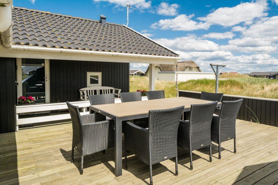 haus mit whirlpool terrasse und blick auf die d nen. Black Bedroom Furniture Sets. Home Design Ideas