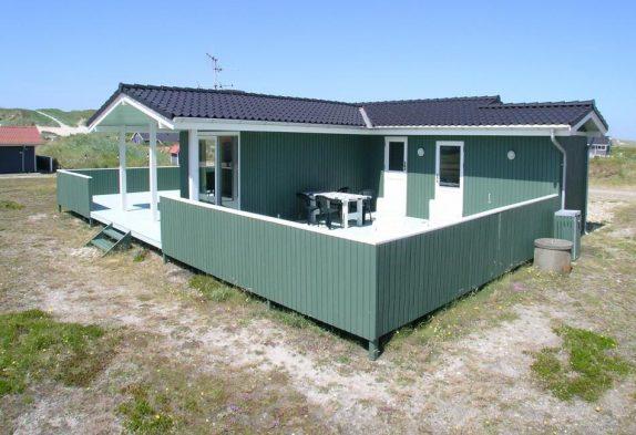 Gemütliches Haus mit Holzofen nah an Bjerregård Strand