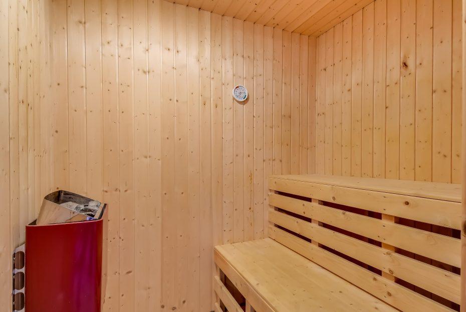 gem tliches holzbalkenhaus mit sauna zwei hunde erlaubt esmark. Black Bedroom Furniture Sets. Home Design Ideas