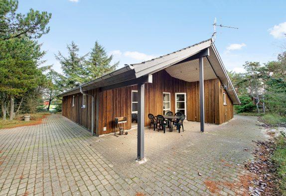 Gemütliches Holzbalkenhaus mit Sauna, zwei Hunde erlaubt