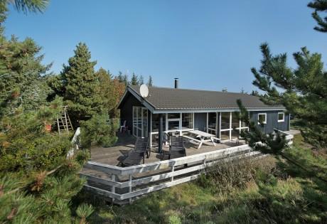 ferienhaus m whirlpool sauna und gro er terrasse esmark. Black Bedroom Furniture Sets. Home Design Ideas
