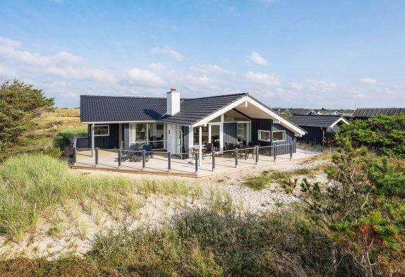 Modernes Ferienhaus für 6 Personen, dicht am Meer und Spielplatz