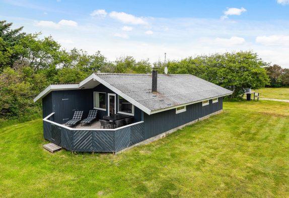 Rustikales Ferienhaus mit Sauna und Kaminofen inBjerregård