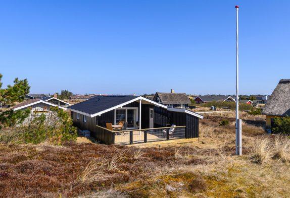 Hyggeligt sommerhus i Bjerregård til 4 personer og med brændeovn