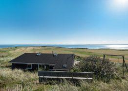Skønt feriehus med fjordudsigt og god beliggenhed. Kat. nr.: C3032, Hareklit 22;