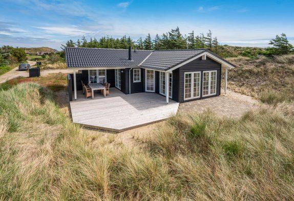 Schönes Ferienhaus mit Panoramablick und Sauna – nahe am Meer
