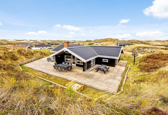 Dejligt feriehus med spa, sauna og skøn terrasse, hund tilladt