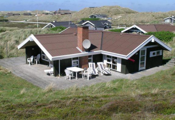 Dejligt feriehus på ugeneret beliggenhed