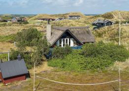 Authentisches Sommerhaus Feeling im Reetdach Haus mit einzigartiger Lage. Kat. nr.:  C3660, Sommervej 62;
