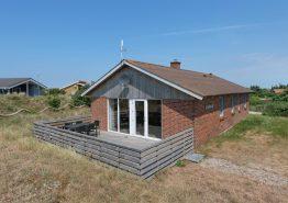 Renoviertes Ferienhaus – eingez. Terrasse und gute Lage. Kat. nr.:  D3464, Kr Madsens Vej 51;