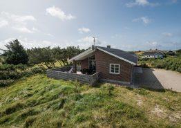 Nyt sommerhus med skøn terrasse tæt på Ringkøbing Fjord