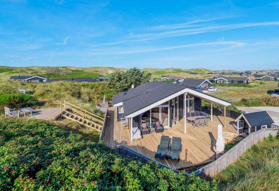 Ferienhaus auf einem Naturgrundstück dicht am Meer