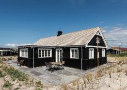 Haus mit abgeschirmter Terrasse, Strandnah & Surfspot. Kat. nr.:  E4112, Karen Brands Vej 156