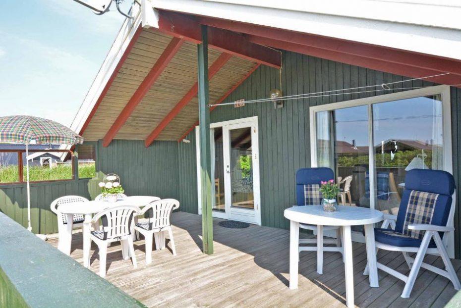 gem tliches ferienhaus mit schaukel nahe der nordsee esmark. Black Bedroom Furniture Sets. Home Design Ideas