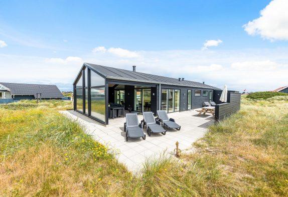 Luxuriöses Ferienhaus mit großer Sauna nah am Strand